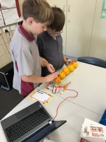 Using Makey Makey robots